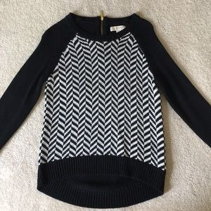 Black and White Patterned Sweater (MK)